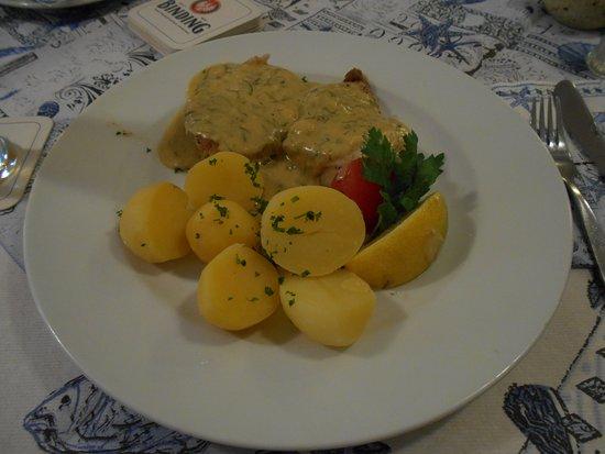 Fisch Jackob, タラのクリームソース