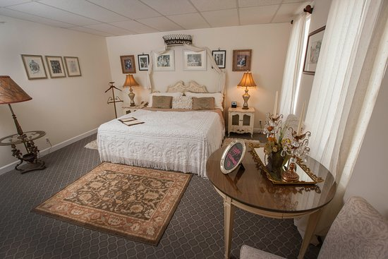 Indiantown, FL: Superior King Room
