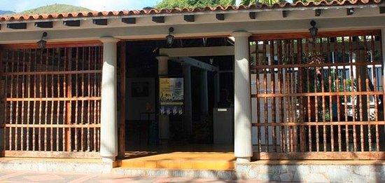 Nhà hàng tại Arismendi