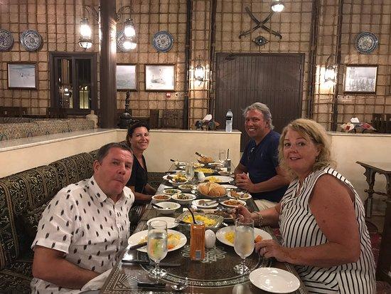 Al Khatim, สหรัฐอาหรับเอมิเรตส์: Evening meal