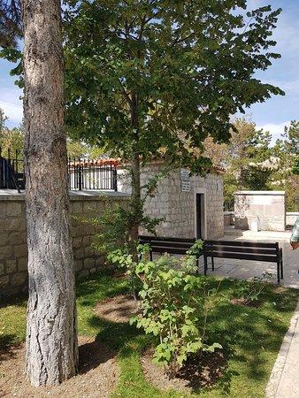 Seyh Tavusbaba Turbesi ve Camii