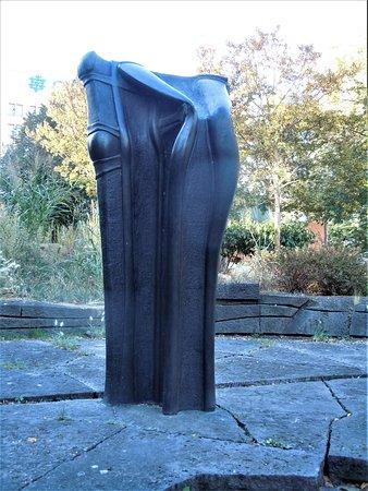 Statue Le Mystère