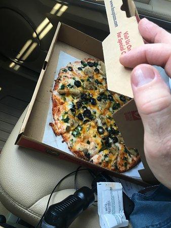 Fox's Pizza Downtown Brunswick: Thin crust pizza