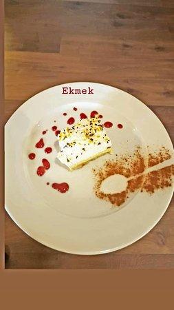 Petrele, Albanien: Delicious dessert