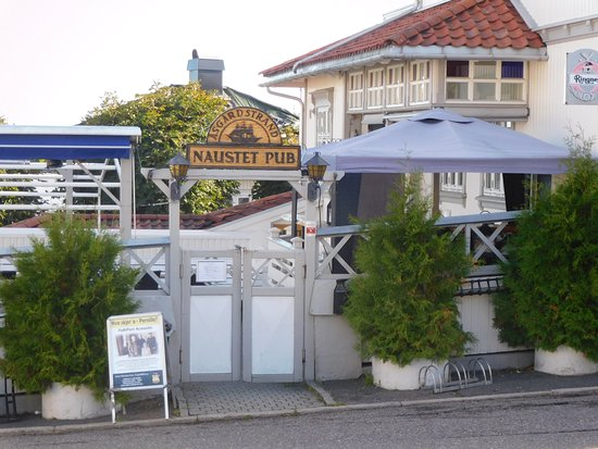 แอสการ์ดสแตรนด์, นอร์เวย์: Der Eingang und Aussenbereich