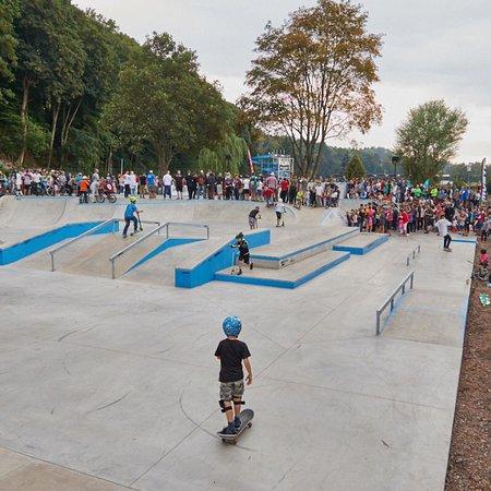 Junkyard - skatepark & pumptrack