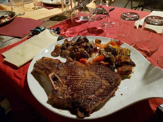 Robion, Frankrijk: 20180928_211633_large.jpg