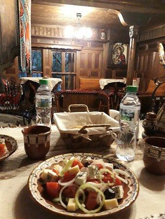 Zheravna, Bulgária: 20181001_190215_large.jpg