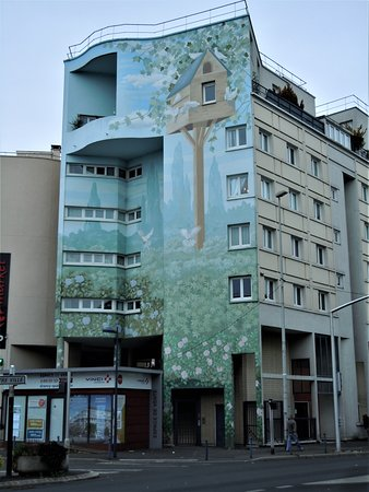 Drancy, France: La fresque sur l'immeuble