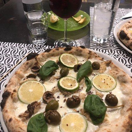 Sicily Pizzeria & Lounge Bar: photo1.jpg