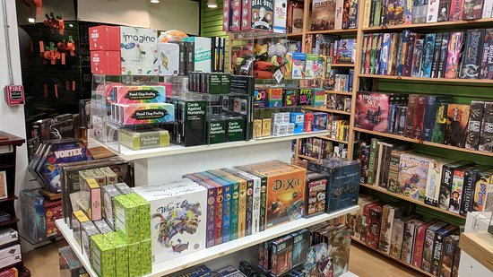 Brookline, MA: Over 1000 games - for gamers and non-partiers!