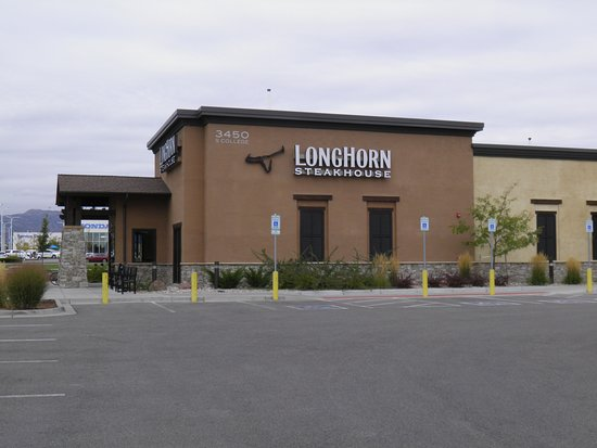 Longhorn Steakhouse Entry Into The Steak House From Mall Parking Lot Ft Collins