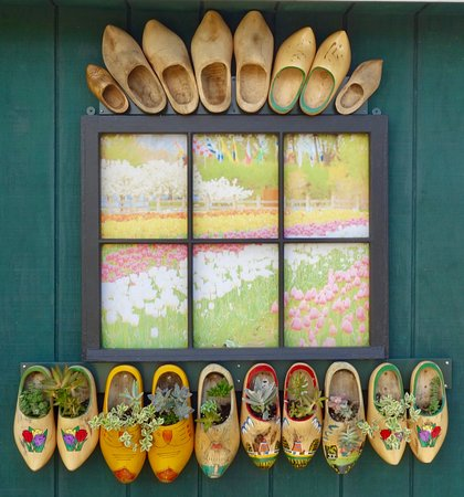 Windmill Island Gardens: Great idea on how to use wooden shoes!