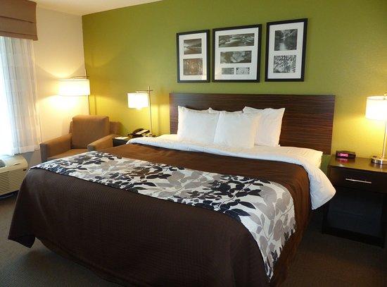 Marshall, MN Sleep Inn -- King Bed