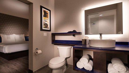 DeSoto, TX: Guest Bathroom