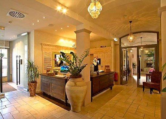 hotel hirschen in freiburg lehen ab 105 2 0 3 bewertungen fotos preisvergleich. Black Bedroom Furniture Sets. Home Design Ideas