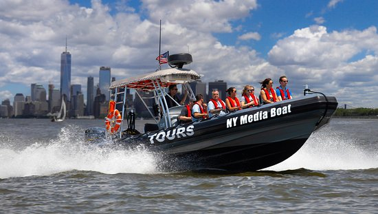 ‪New York Media Boat / Adventure Sightseeing Tours‬