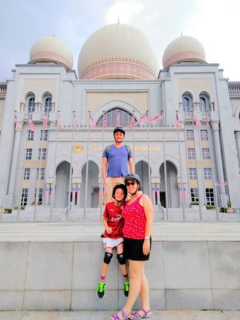 Planet Scooters Malaysia : City Guided Tour in Putrajaya (30mins from Kuala Lumpur, Malaysia). Ride an electric scooter