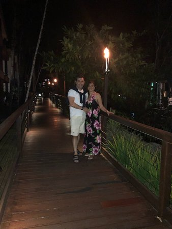 Ramada Resort by Wyndham Port Douglas: ready for a romantic dinner and a walk down the fire lite boardwalks
