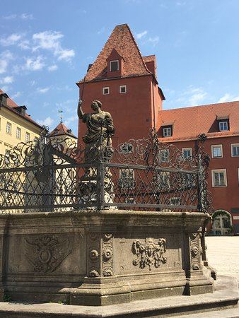 Regensburg, Jerman: 正義の泉