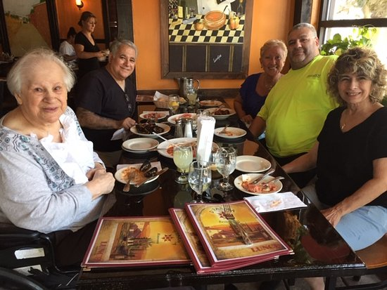 Winthrop, MA: We all enjoy  a dinner at D'parma's. we took my mom she loves it.
