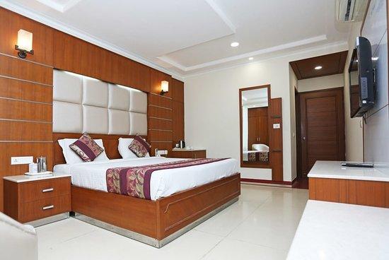 OYO 11042 Hotel Bhoomi Residency