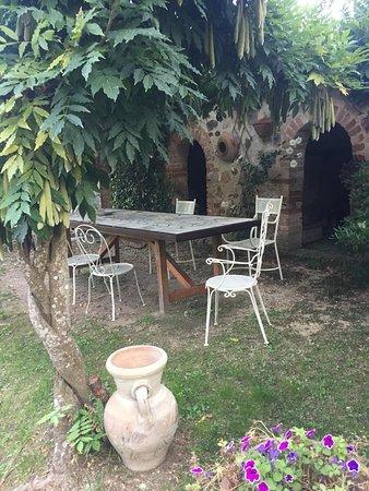 Torri, Italie: Dehor