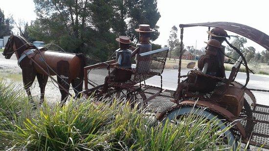 Lockhart, Australien: Family on carriage