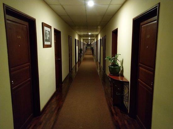 Mercure Vientiane: Corridor to the rooms
