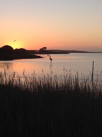 Meningie, Austrália: Sunset on the lake