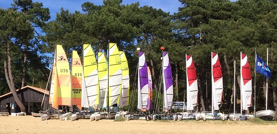 Yacht Club Landais - Ecole & Location De Voile, Kayaks et Stand Up Paddle