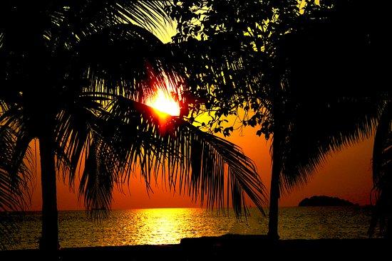 Teluk Kemang : sunset in port dickson