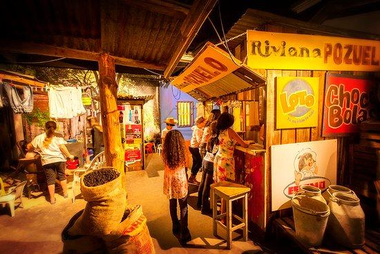 Steijl, Ολλανδία: Je leert hier op een spelender wijze hoe kinderen in dit Midden/Amerikaanse land leven.