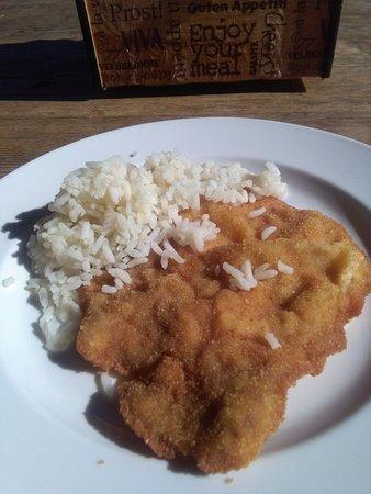 Wurflach, ออสเตรีย: Schnitzerl mit Reis vom Mittagsbuffet im Hampis