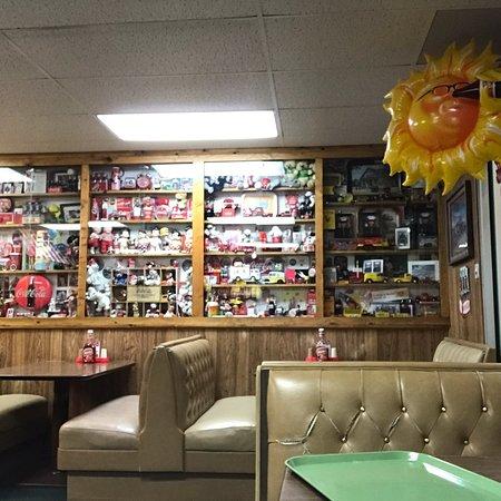 Hobbs, Nuevo Mexico: One small corner of the Coca-Cola memorabilia.