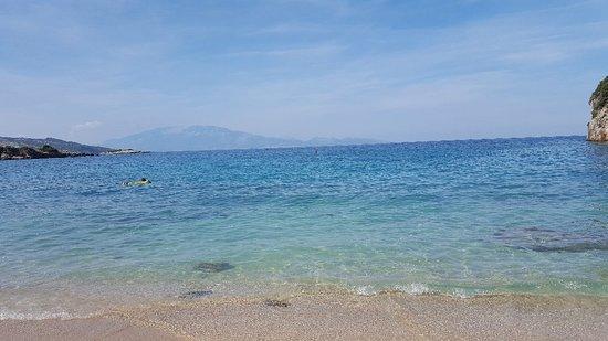 Makris Gialos Beach: 20180919_161344_large.jpg