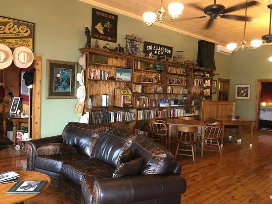 "Fort Laramie, Вайоминг: ""Aladdin's Cave"" (Family Area)"