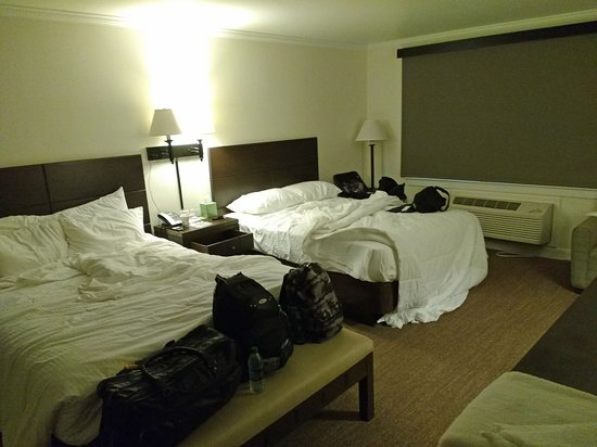 Mammoth Cave, KY: Room with two queen beds.
