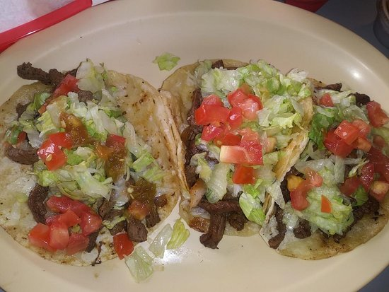 Dumas, Τέξας: Asada Tacos tasted more like smoked meat than traditional carne asada.