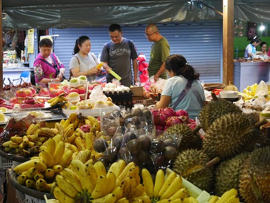 Somphet Market