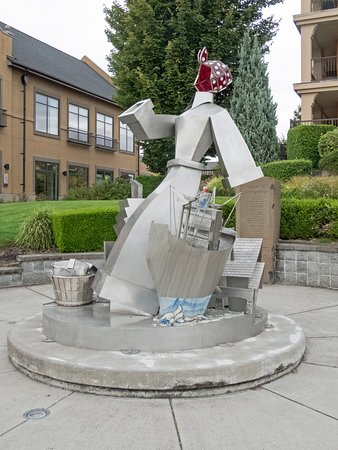 Vancouver, Вашингтон: Wendy the Welder Sculpture