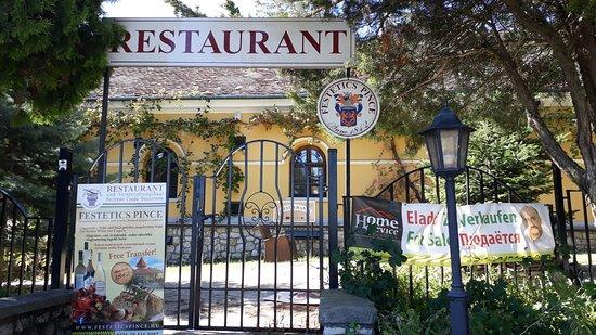 Cserszegtomaj, Hungria: ресторан закрыт. продается.