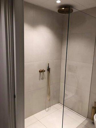 Walk In Shower But No Soap Shampoo