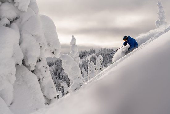Kamloops, Canadá: Skiing at Sun Peaks Resort