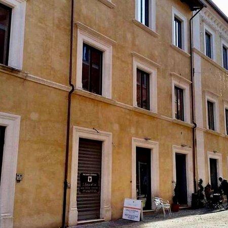 L'Aquila, Italy: Palazzo Lucentini Bonanni