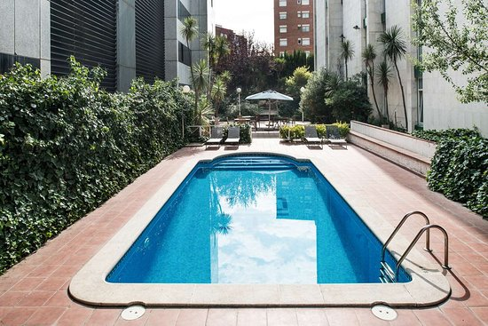 Sant Andreu de la Barca, สเปน: Catalonia Bristol piscina