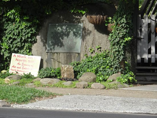 Tsali Monument
