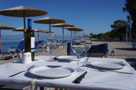 Diakopto, กรีซ: on the famous, blue flag award, Pounta beach