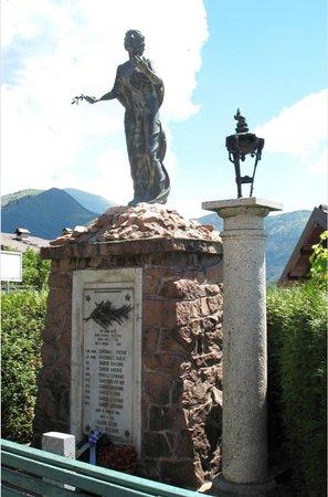 Monumento ai caduti di Armio