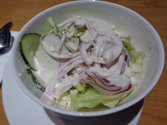 Magnolia's Veranda: dinner salad with ranch